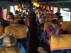 PRF apreende ônibus irregular que levava 49 passageiros em Catalão