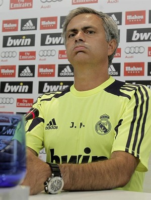 José Mourinho durante entrevista coletiva do Real Madrid (Foto: EFE)