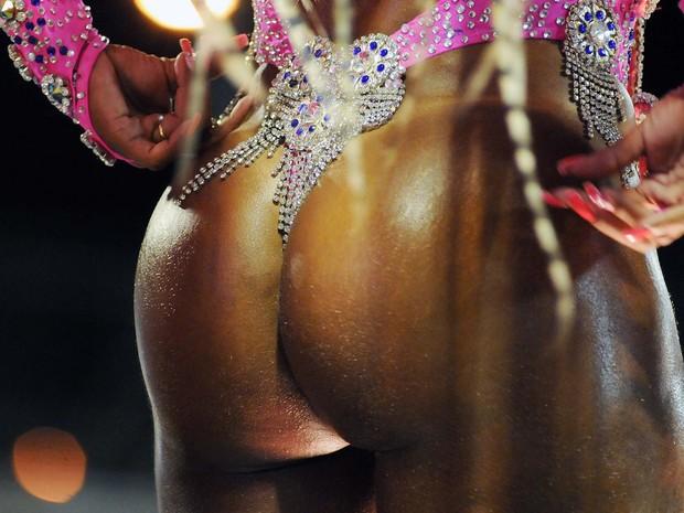 Bumbuns perfeitos foram exibidos no 1º dia de desfile na Sapucaí (Foto: Alexandre Durão/ G1)