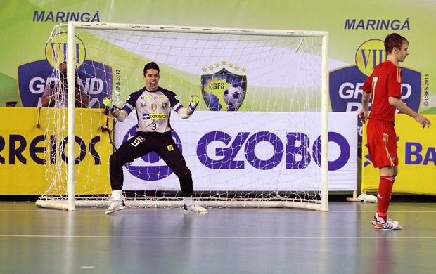 Djony goleiro comemoração futsal (Foto  Flávio Moraes   Divulgação) 5798aab93df47