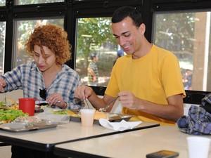 Restaurante Universitário é opção para economizar durante o curso (Foto: Priscila Halabi/CCS UFSCar)