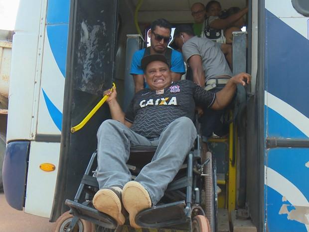 Cadeirante, falta de acessibilidade, Macapá, Amapá (Foto: Reprodução/Rede Amazônica no Amapá)