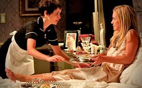 Carminha pede perdão e pergunta: 'Você quer ser minha amiga, Nina?'