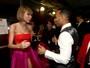 Bastidores do Grammy têm grandes encontros e Taylor Swift poderosa