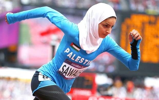 Woroud Sawalha na prova dos 800m  (Foto: Reuters)