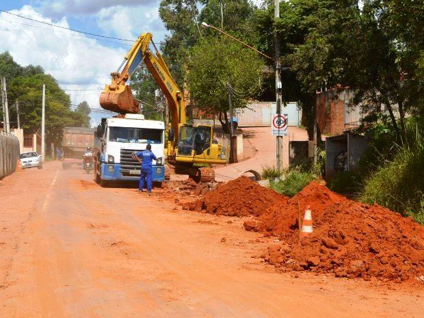 Trocas de redes antigas de água estão ocorrendo em outros bairros (Foto: Divulgação)