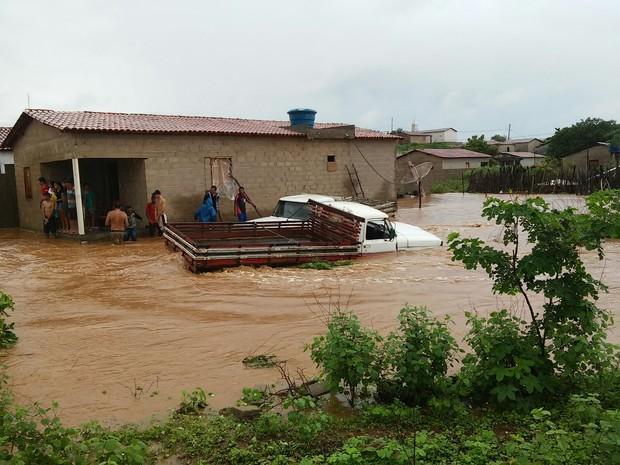 Chuvas impedem a prefeitura até mesmo de contabilizar prejuízos (Foto: Alonso Gomes/Arquivo Pessoal)