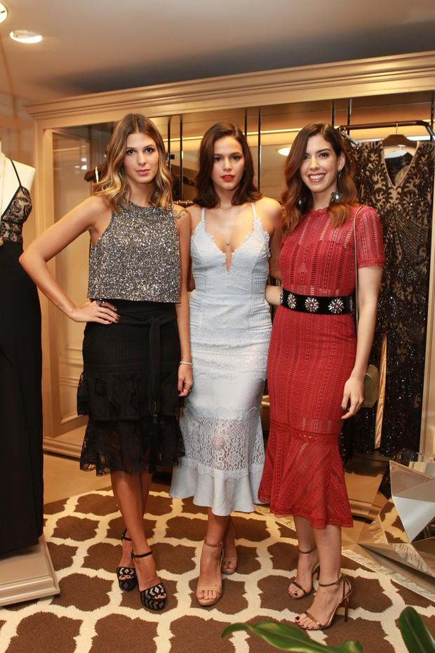 Anna Fasano, Bruna Marquezine e Camila Coutinho (Foto: Raphael Castello/AgNews)
