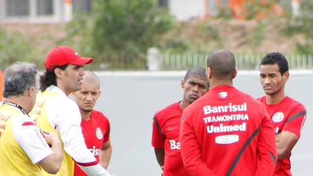 Fernandão projeta time do Inter contra o Santos (Foto: Diego Guichard / GLOBOESPORTE.COM)