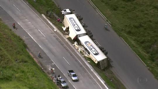 PRF registra acidentes em série na BR-101 e saque de cargas no Grande Recife