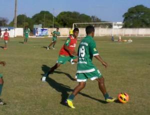 Gurupi treina no estádio Rezendão (Foto: Clifton Morais/TV Anhanguera)