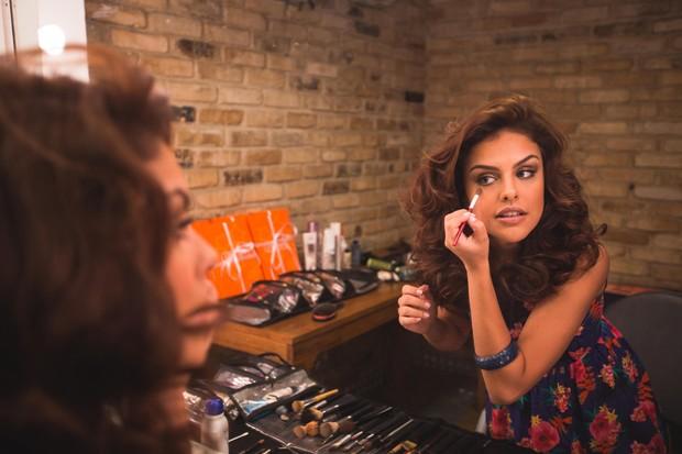 Paloma Bernardi fala sobre moda e afirma não ser consumista (Foto: Divulgação)