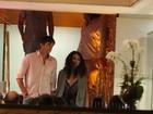 Ashton Kutcher e Mila Kunis jantam no Rio com Luciano Huck; veja fotos