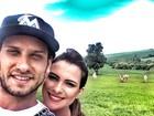 Ex-BBBs Kamilla e Eliéser curtem domingo na fazenda