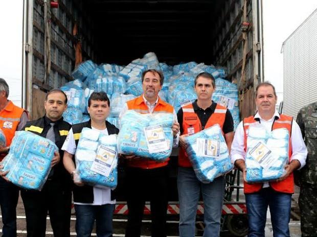 Governo acreano recebeu kits emergencias do governo federal na manhã desta quinta-feira (5) (Foto: Sérgio Valle/Agência de Notícias do Acre)
