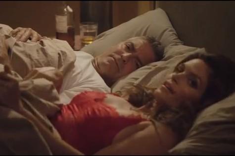 George Clooney e Cindy Crawford no comercial da tequila Casamigos (Foto: Reprodução da internet)