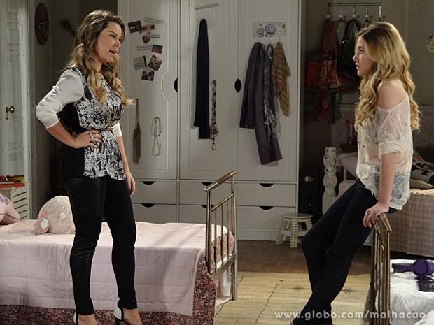 Berna descobre as intenções de Sofia e dá esporro na garota (Foto: Malhação / TV Globo)