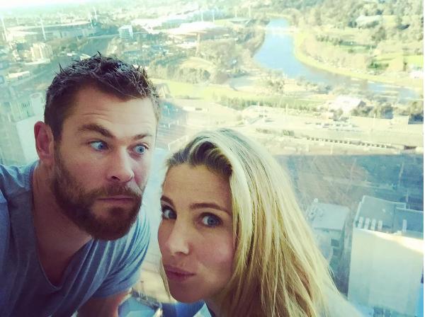 O ator Chris Hemsworth e sua esposa, a atriz Elsa Pataki (Foto: Instagram)