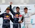 Hamilton e Nico dão azar; Ricciardo e Verstappen fazem dobradinha da RBR