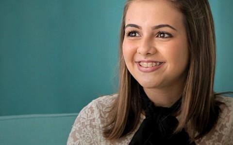 """""""Nunca quis parecer mais velha', diz Klara Castanho"""