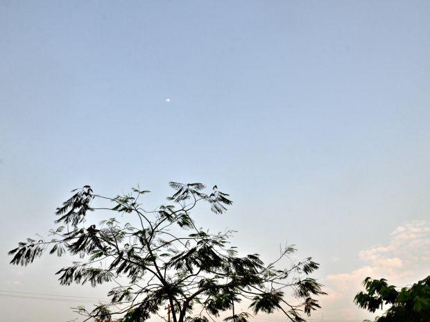 Céu de Campo Grande aberto nesta tarde de quarta-feira (Foto: Isabela Cavalcante/G1 MS)