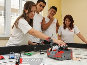 Alunos do Sesi de Araraquara disputam torneio mundial de robótica (Foto: Kris Tavares/Tribuna Impressa)