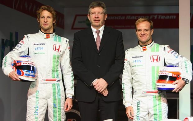 Os pilotos Jenson Button e Rubens Barrichello foram chefiados por Ross Brawn na última passagem da Honda na F1 (Foto: Getty Images)