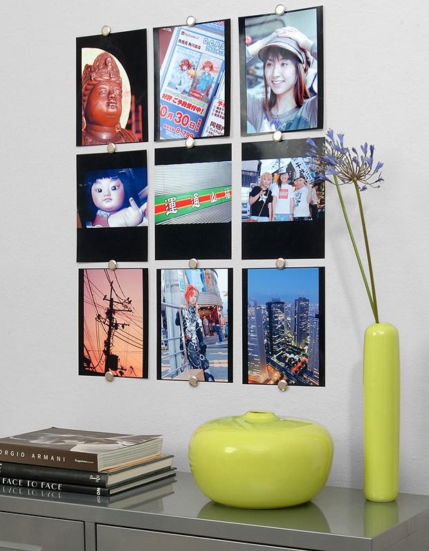 É possível pendurar fotos direto na parede, sem furos (Foto: Divulgação)