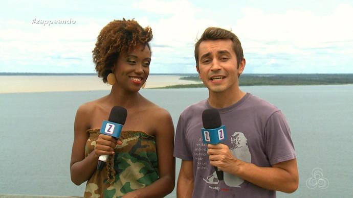 Jaque Santtos e Moacyr Massulo mostram o Encontro das Águas, em Manaus (Foto: Zappeando)