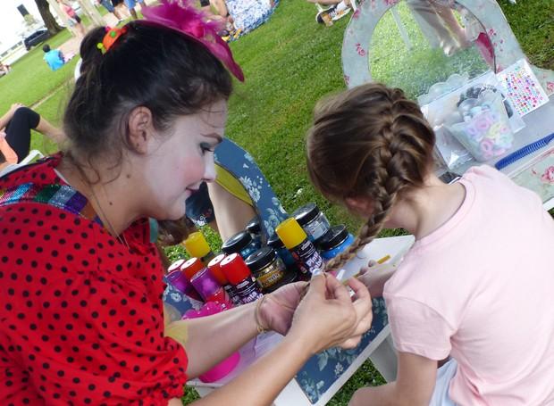 No cabelo maluco, a trança era a escolha favorita das meninas (Foto: Tk Santos/ RPC)