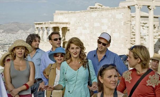 Nia Vardalos vive uma guia turistíca frustrada em 'Falando Grego' (Foto: Divulgação / Reprodução)