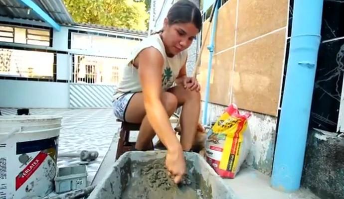Amazonense divide rotina de treinos com emprego de pedreira (Foto: Reprodução/TV Amazonas)