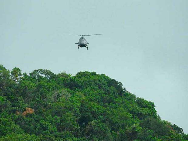 Equipes da polícia também precisaram de apoio de helicóptero durante operação na Bahia (Foto: Divulgação/SSP-BA)