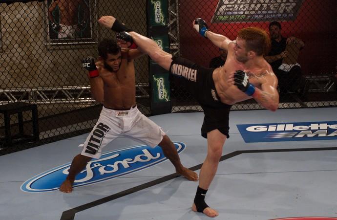 Rony Jason e Wolverine duelam na semifinal do TUF  (Foto: Divulgação/TUF Brasil)