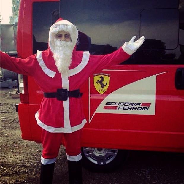 Felipe Massa publicou uma foto de Papai Noel no twitter (Foto: Reprodução/Twitter)