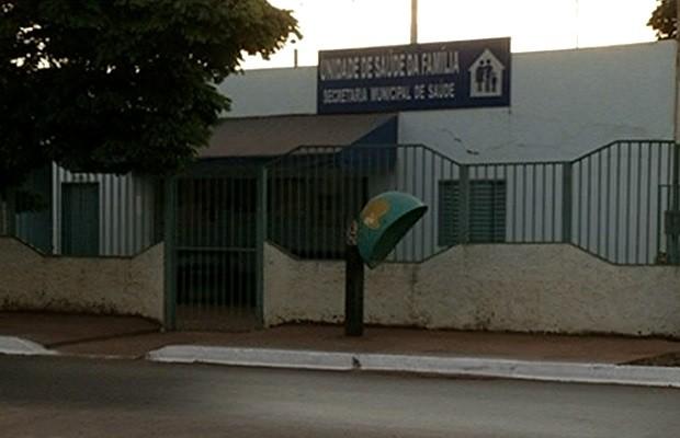 Médico cubano é afastado de posto de saúde em Luziânia, Goiás (Foto: Reprodução/ TV Anhanguera)