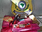 Passageiro é preso com droga, arma, munições e dinheiro falso em MS