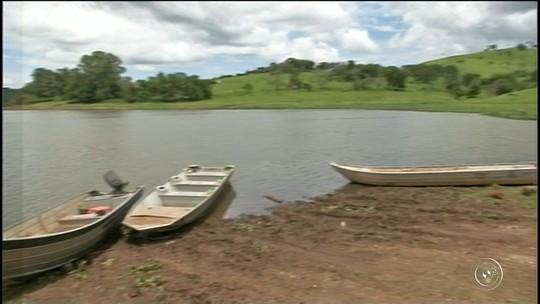 Dupla nadou por seis horas em represa após bote virar em Fartura