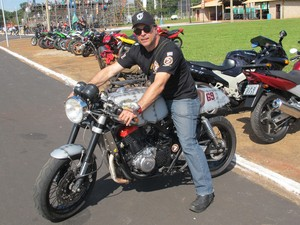 Motociclista participa de encontro nacional em Barretos, SP (Foto: Rafael Miotto/G1)