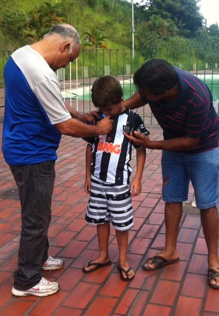 Ídolo foi bem recebido pela torcida do Ipatinga e também pelos atleticanos.  (Foto: Patrícia Belo / Globoesporte.com)