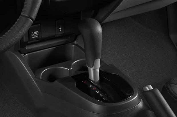Câmbio CVT é a única opção de transmissão do Honda WR-V (Foto: Caio Matos/Divulgação)