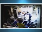 Gerente é agredido durante assalto em agência dos Correios; veja vídeo