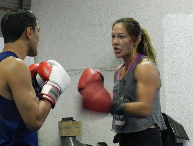 Cris Cyborg MMA Uberl&#226;ndia (Foto: Felipe Santos/GLOBOESPORTE.COM)
