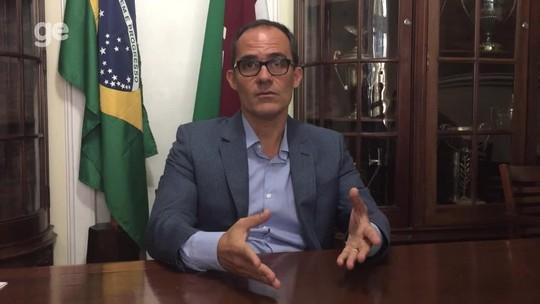 30 dias no Flu: Abad faz limpeza no futebol e explica situação financeira