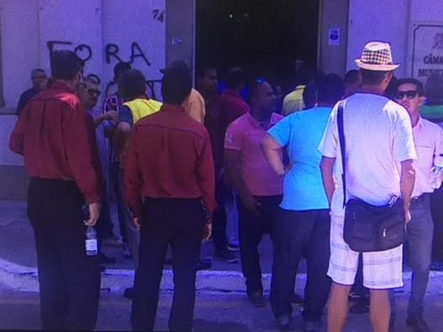 Taxistas fazem protesto (Foto: Reprodução/TV Sergipe)