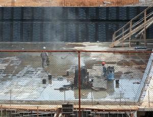 Obras da piscina olímpica da fundac, em salvador (Foto: Raphael Carneiro)