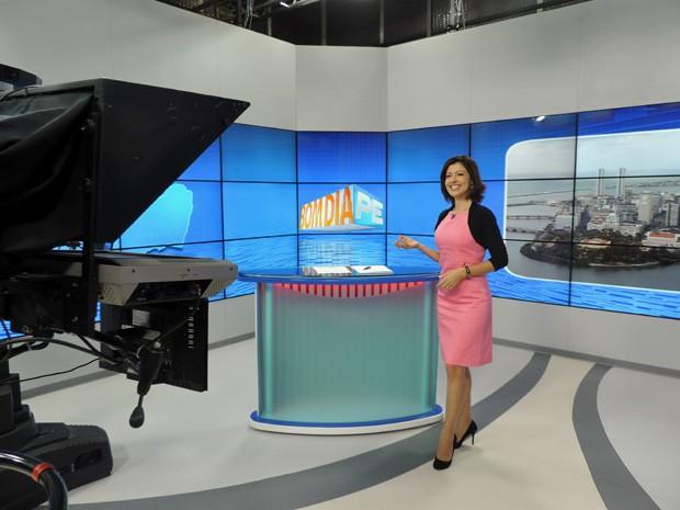 Meiry Lanunce apresenta o programa, agora mais cedo e com mais tempo no ar (Foto: Katherine Coutinho/G1)