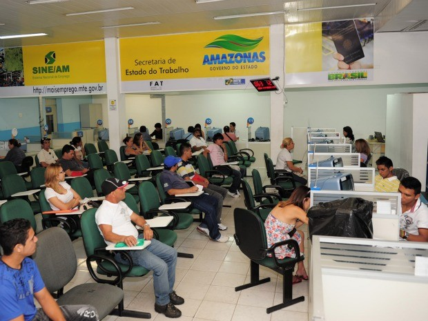 Atendimento feito no Sine Amazonas no Centro de Manaus (Foto: Divulgação/Agecom)