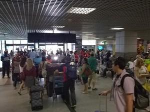 Movimento no aeroporto de Salvador já é intenso com proximidade da copa (Foto: Yuri Girardi / G1 Bahia)
