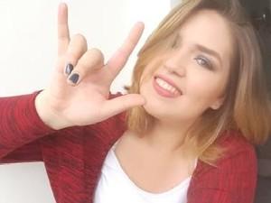 Bruna Borges, 1ª ouvinte a criar tutorial de maquiagem em linguagem de sinais (Foto: Bruna Borges/Arquivo Pessoal)